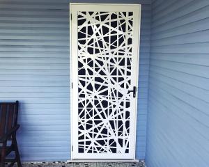 BIRDNEST-DOOR